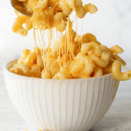 Easy Cheesy Homemade Mac and Cheese