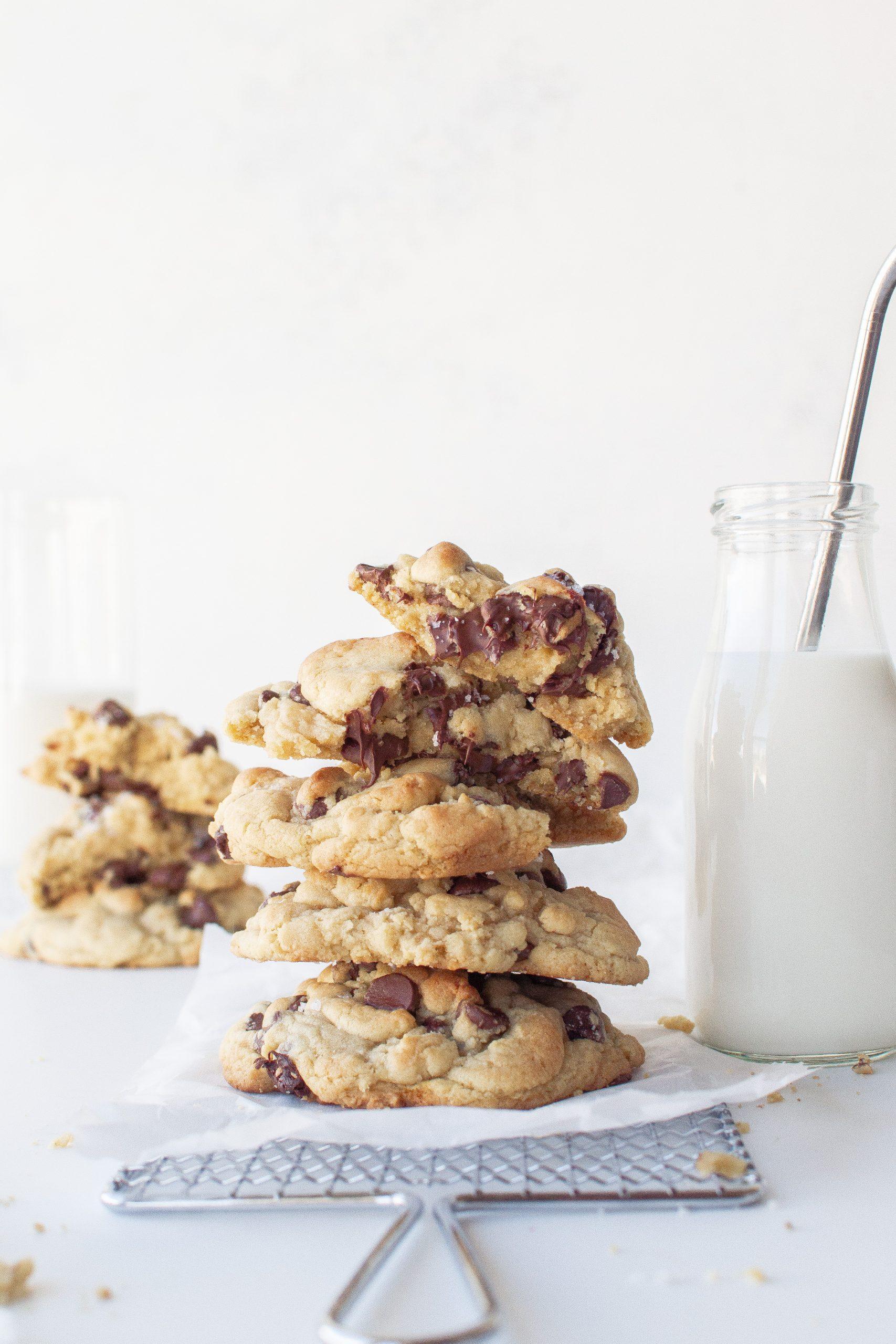 Crumbl Copycat Chocolate Chip Cookies Recipe