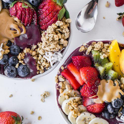 healthy acai smoothie bowl